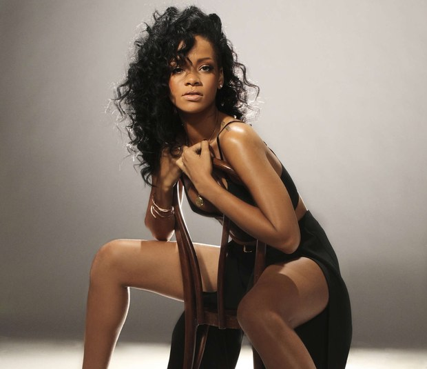 Filmbees - Rihanna Shares New Songs Snippets